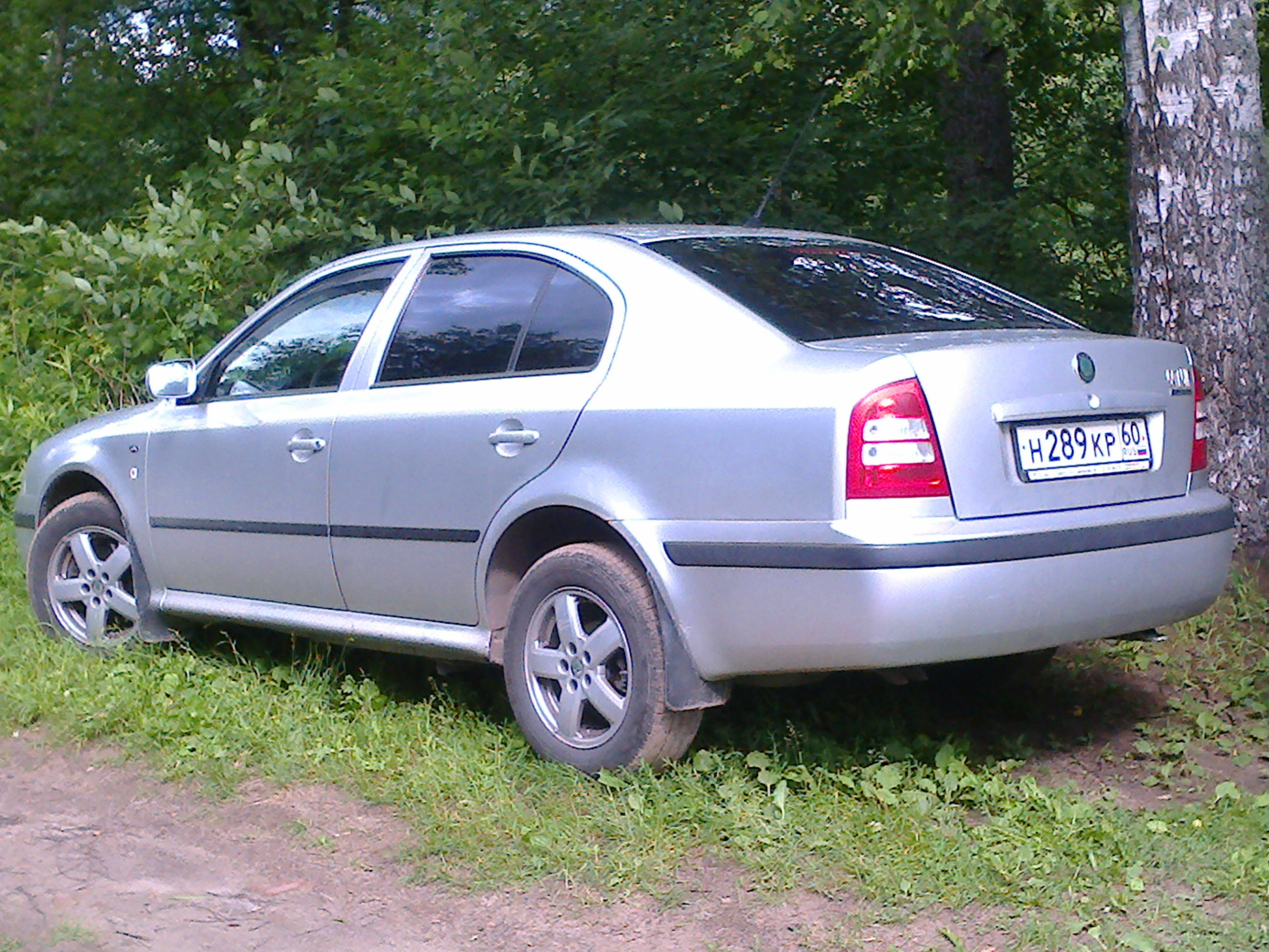tyres and wheels for skoda octavia tour prices and reviews. Black Bedroom Furniture Sets. Home Design Ideas
